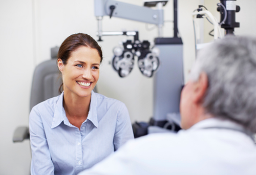 Eye Doctor With Patient | Tennessee Eye Care